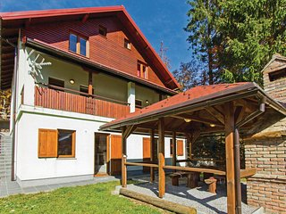 Stunning home in Brestova Draga w/ Sauna and 2 Bedrooms