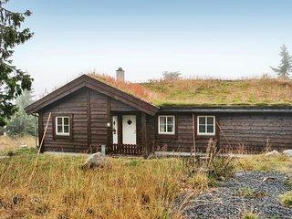 Beautiful home in Sjusjøen w/ Sauna and 4 Bedrooms