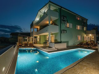 Nice home in Kastel Novi w/ Sauna, WiFi and 8 Bedrooms