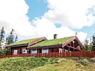 Amazing home in Sjusjøen w/ Sauna and 5 Bedrooms