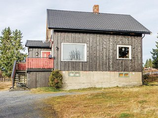 Beautiful home in Sjusjoen w/ 3 Bedrooms