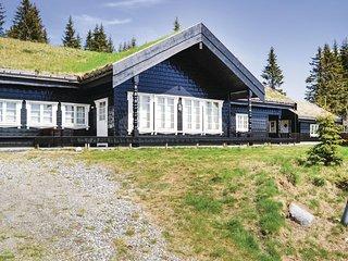 Awesome home in Lillehammer w/ Sauna, WiFi and 5 Bedrooms