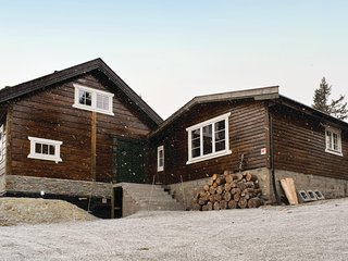 Awesome home in Sjusjøen w/ 4 Bedrooms and Sauna