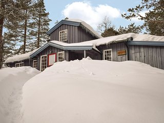 Amazing home in Noresund w/ Sauna and 5 Bedrooms