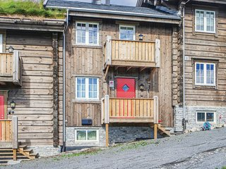 Awesome apartment in Sjusjøen w/ Internet and 4 Bedrooms
