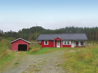 Beautiful home in Kvinesdal w/ 2 Bedrooms