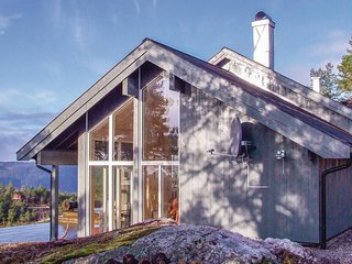 Stunning home in Dølemo w/ WiFi and 4 Bedrooms (N34293)