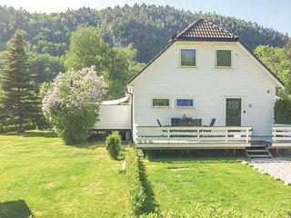 Beautiful home in Vennesla w/ WiFi and 1 Bedrooms
