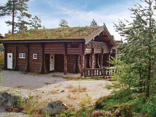 Awesome home in Treungen w/ Sauna and 6 Bedrooms