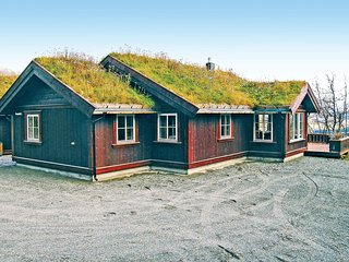 Amazing home in Hemsedal w/ Sauna, WiFi and 4 Bedrooms