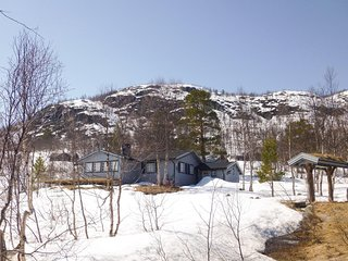 Awesome home in Hovden w/ 3 Bedrooms (N35103)