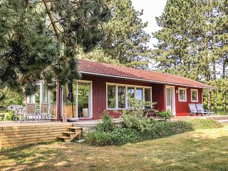 Nice home in Lundby w/ WiFi and 2 Bedrooms