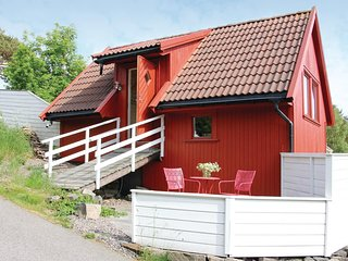 Stunning home in Flekkerøy w/ WiFi and 1 Bedrooms (N36037)