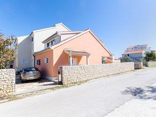 House Nikolina (48561-K1)