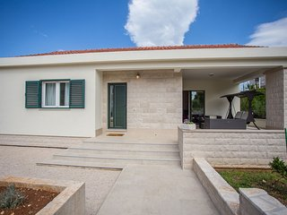 House Damir (53392-K1)