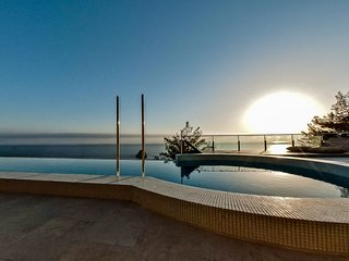 Cala Moresca Villa Sleeps 14 with Pool Air Con and WiFi - 5763220