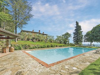 Ontspan in een gemoedelijk landhuis met zwembad