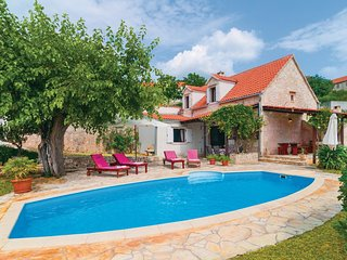 Awesome home in Nerezisca w/ WiFi and 3 Bedrooms