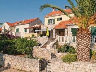 Awesome home in Splitska w/ WiFi and 3 Bedrooms