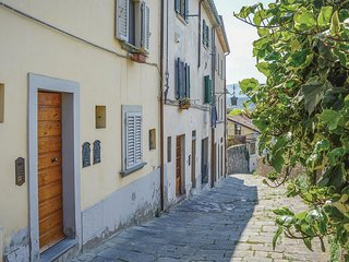Amazing home in Arezzo -AR- w/ 1 Bedrooms