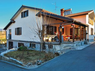 Amazing home in Divaca w/ WiFi and 2 Bedrooms