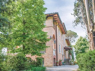 Stunning home in Siena -SI- w/ WiFi and 1 Bedrooms (ITS010)