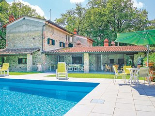 Beautiful home in Terranuova Bracciolini w/ WiFi and 3 Bedrooms