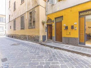 Nice home in Firenze -FI- w/ WiFi and 1 Bedrooms (ITB117)