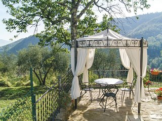 "Stunning home in Castel San Niccolo""AR w/ 3 Bedrooms"