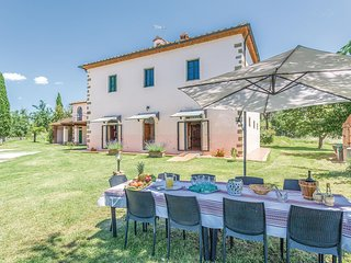Awesome home in Arezzo (AR) w/ WiFi and 5 Bedrooms