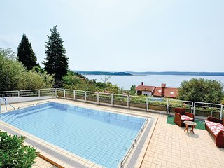 Awesome home in Portoroz w/ Sauna, WiFi and 2 Bedrooms
