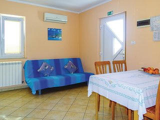 Amazing home in Ankaran w/ WiFi and 2 Bedrooms