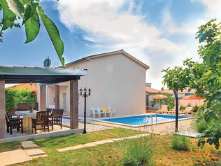 Awesome home in Pula w/ WiFi and 4 Bedrooms (CIP431)
