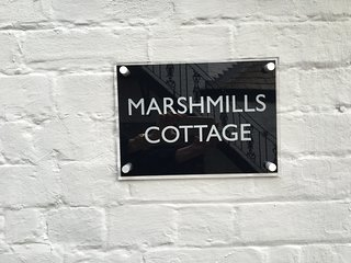 Lovely Cottage, short walk to centre of town