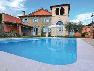 Nice home in Marezige w/ WiFi and 5 Bedrooms (SCR255)