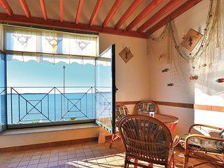 Stunning home in Piran w/ 2 Bedrooms