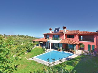 Awesome home in Portoroz w/ Sauna, WiFi and 3 Bedrooms