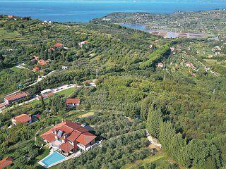 Awesome home in Portoroz w/ Sauna, WiFi and 3 Bedrooms (SCR259)