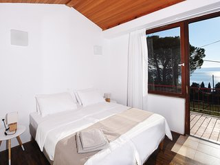 Beautiful home in Portoroz w/ WiFi and 3 Bedrooms
