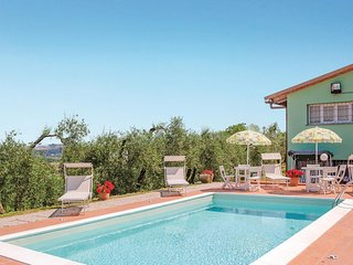 Awesome home in Castelfiorentino -FI- w/ 2 Bedrooms