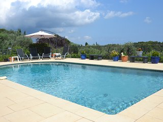 Charming villa - spacious, private pool, terrace, sea view, close to Valbonne