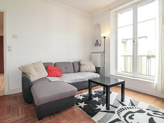 Awesome home in Rouen w/ WiFi and 3 Bedrooms (FNS053)