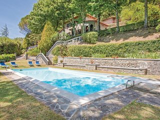 Stunning home in San Godenzo FI w/ 3 Bedrooms, Outdoor swimming pool and Outdoor