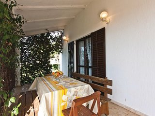 Nice home in Pula w/ 2 Bedrooms (CIP621)