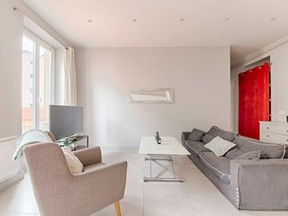 IDEALLY PLACED - NICE FLAT IN THE HEART OF NICE