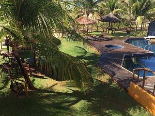 Aluga-se Charmoso Village Praia de Itacimirim - pé na areia