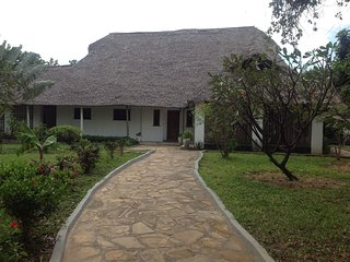 Samaki House - Family Cottage