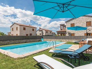 Nice home in Cabrunici w/ WiFi and 4 Bedrooms