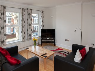 Hanwell Village Apartment