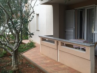 Apartment for 8 with Terrace, Marija